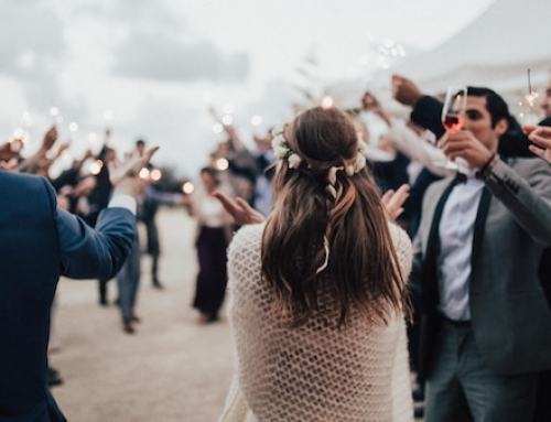 5 Types of Annoying Guests at Every Wedding